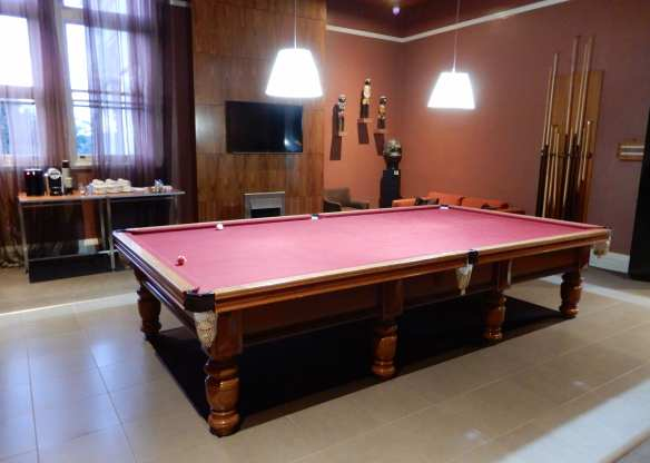 9.snooker room