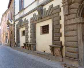 69.Via Roma
