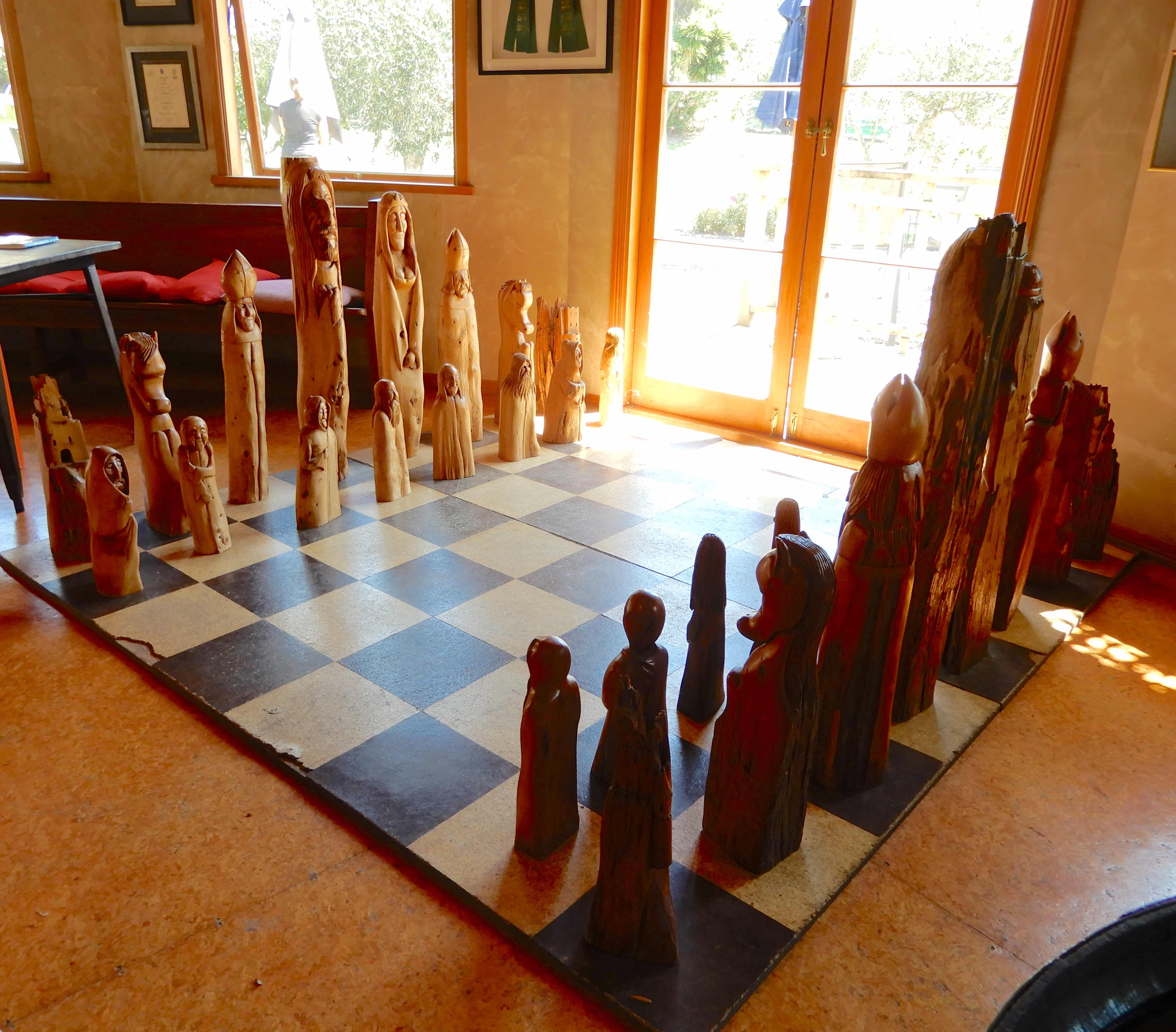 11.Rangihoua chess set