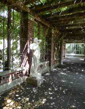 11.statue under pergola