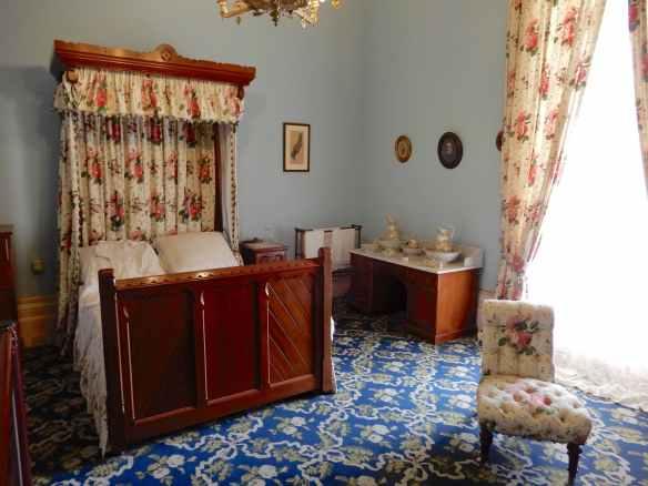 15.bedroom