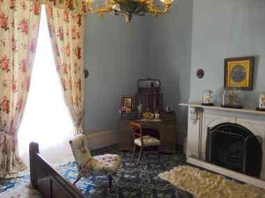 16.bedroom