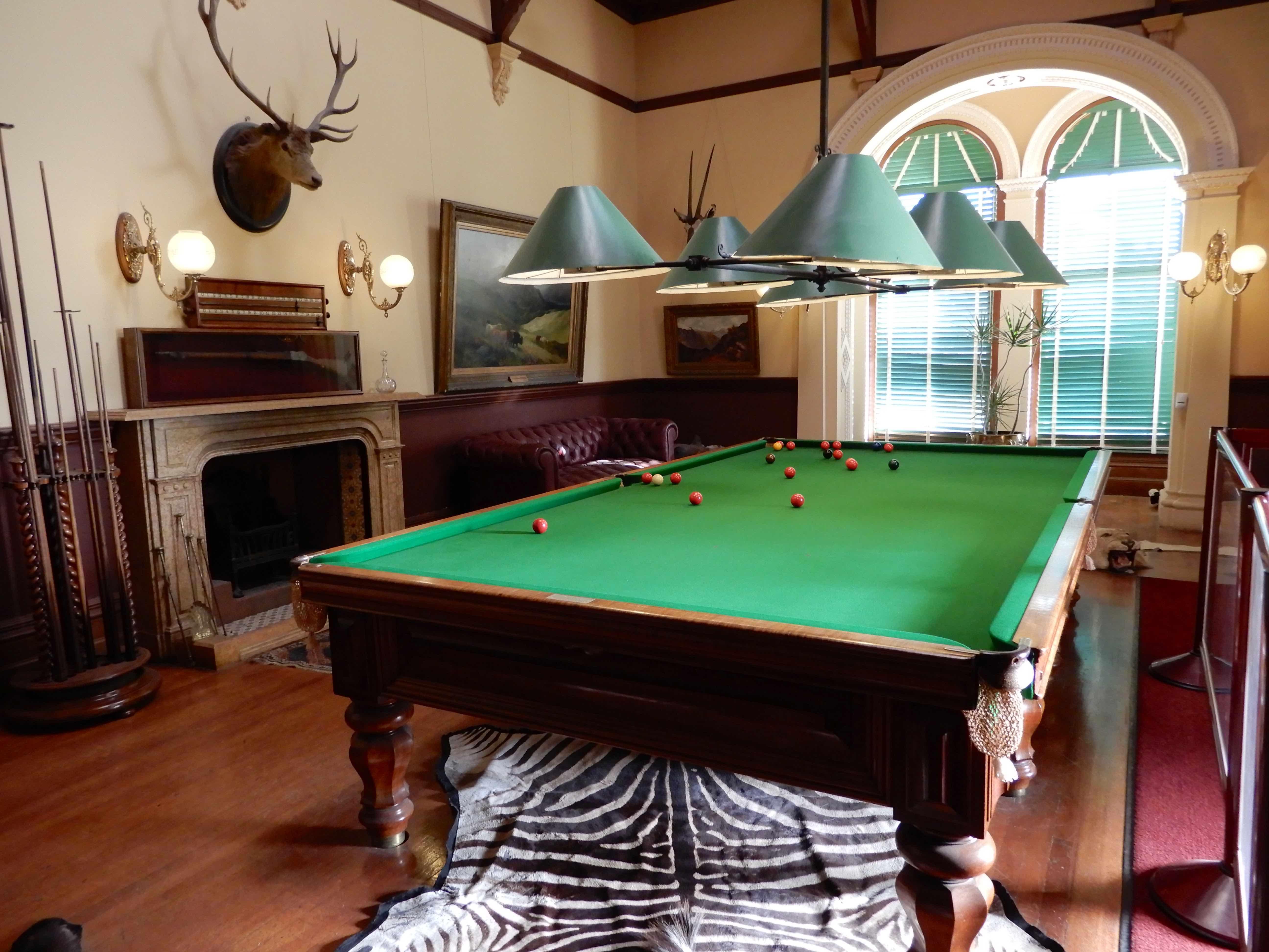 18.billiard room