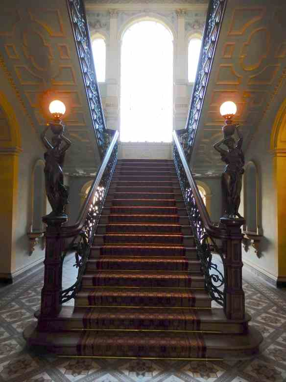 33.main staircase