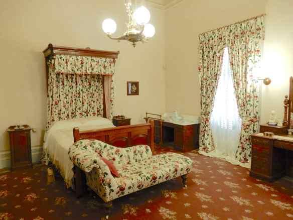 42.chintz bedroom