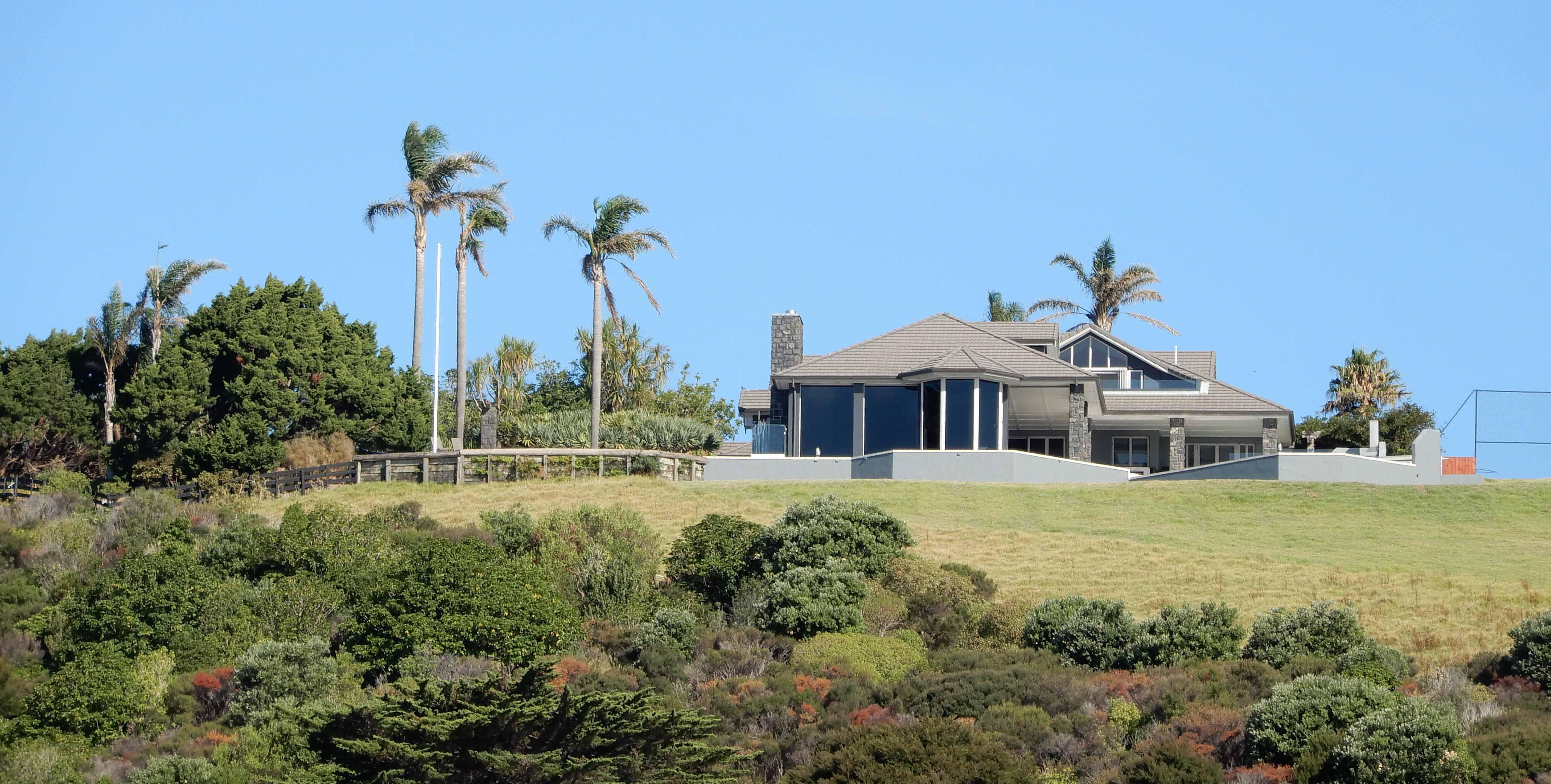 7.house, Matiatia Bay
