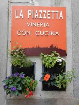 32.La Piazzetta
