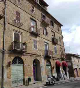 2.Via Vittorio Veneto