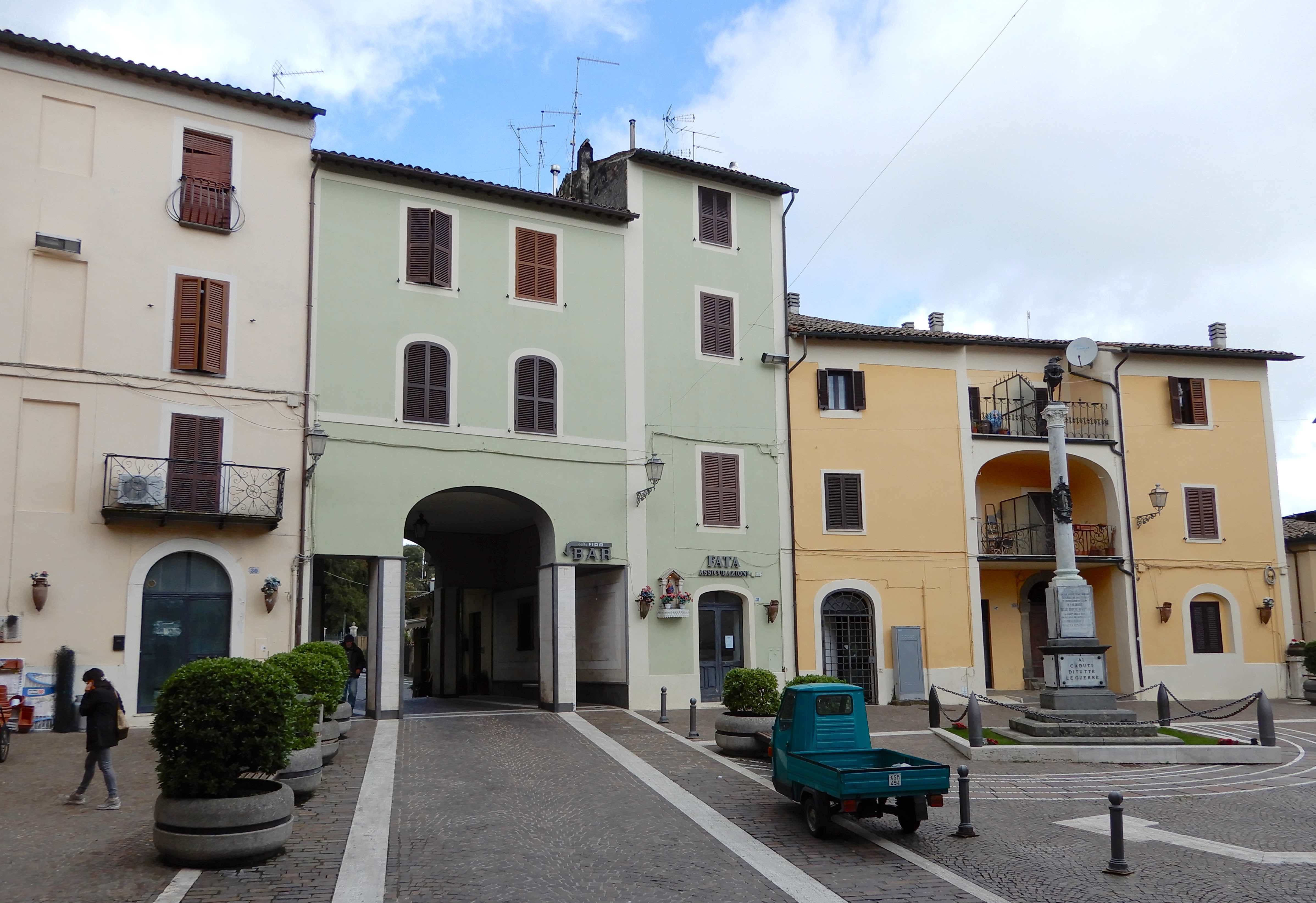 5.Piazza Cavour