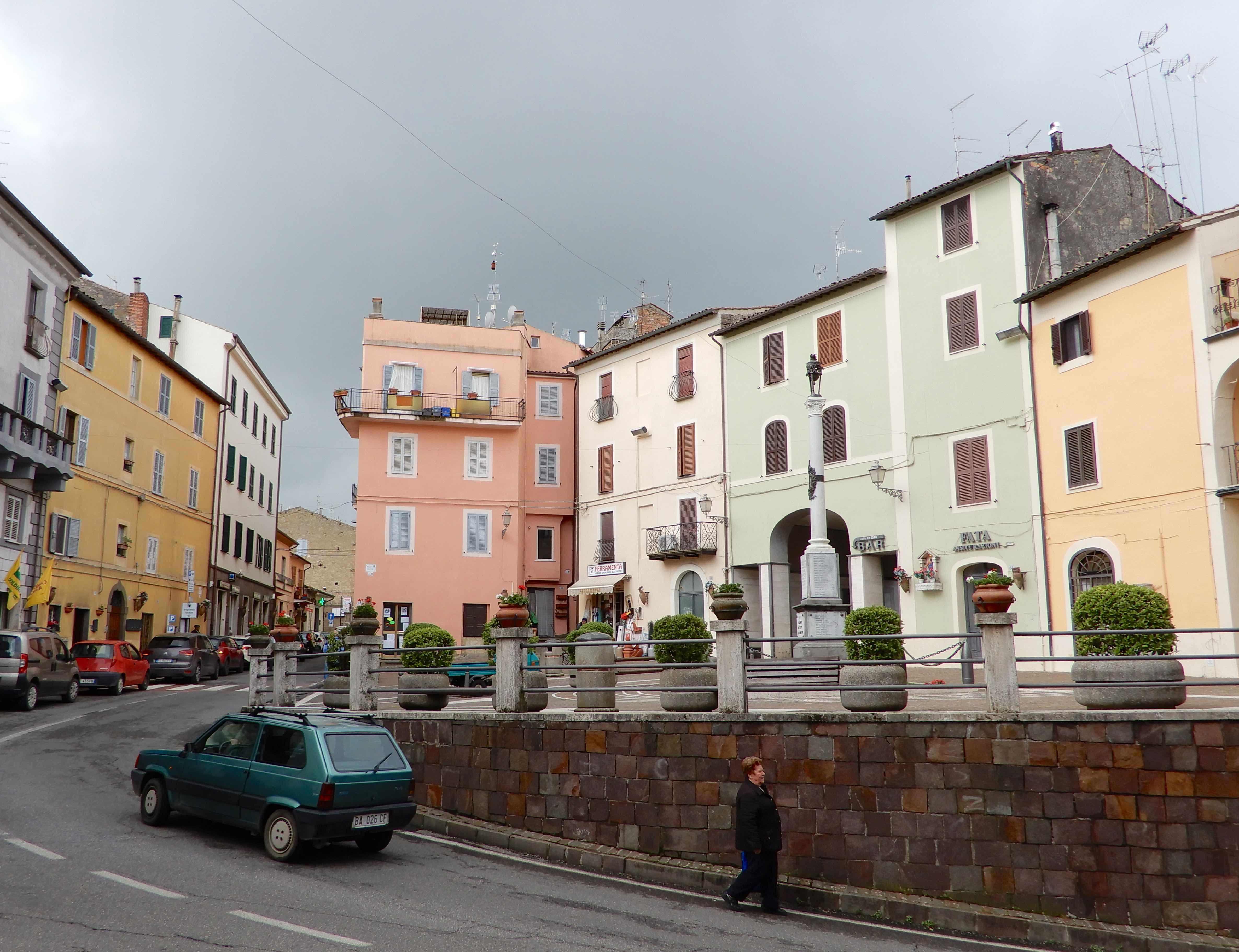 6.Piazza Cavour