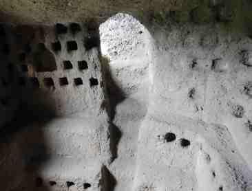 18.columbarium