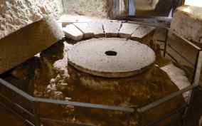 4.grinding stone